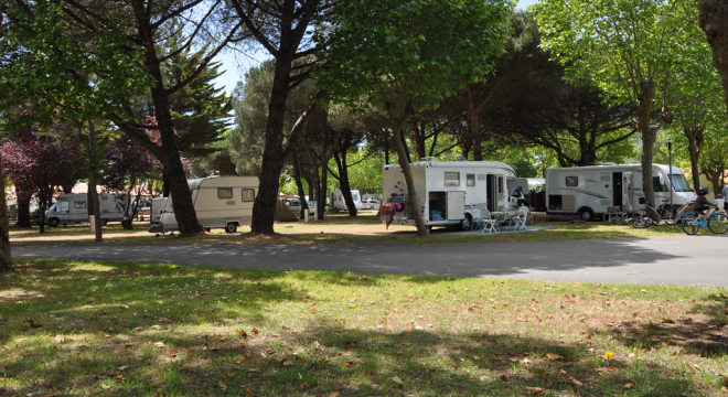 location-emplacement-camping-ile-re